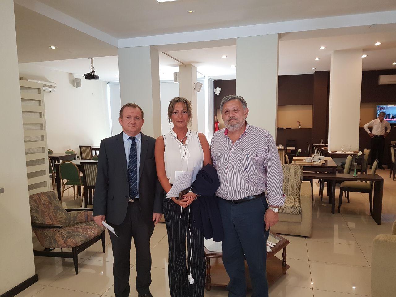 reunion-de-la-defensora-provincial-con-autoridades-de-reconquista-227